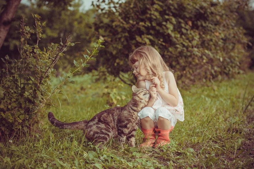 Evcil Hayvanlarla Büyüyen Çocukların Dünyalar Kadar Mutlu Olmalarının 9 Nedeni