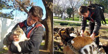 Sokak Hayvanlarını Beslemek İçin Telefonunu Satan Güzel Kalpli Öğrenci
