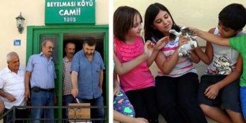 Helal Olsun: Cuma Namazı Çıkışı Kediler İçin Mama Parası Toplayan Cemaat